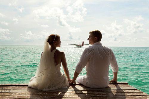 Maldives wedding pose