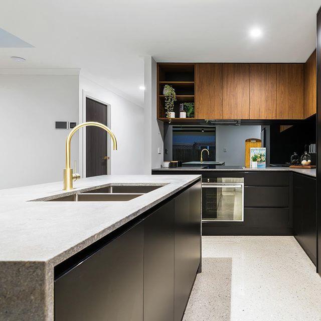 Walnut Kitchen Designs: @lavish_constructions & @weston_kitchens Super Sleek