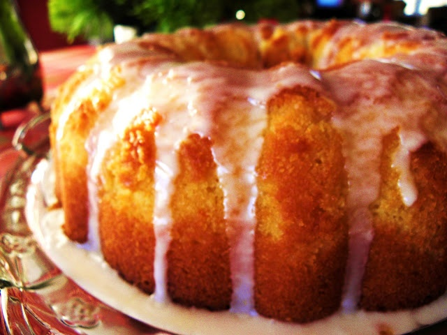 Luscious Meyer Lemon Cake with Lemon Glaze....The recipe looks simple and the cake looks fab!