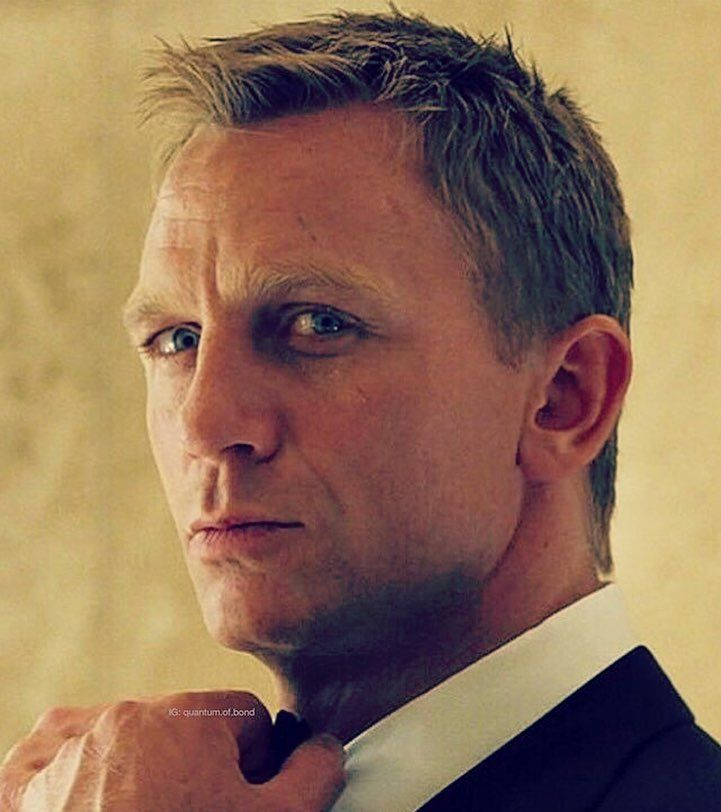 Casinoroyale Danielcraig Jamesbond 007 Daniel Craig James Bond James Bond Outfits Daniel Craig