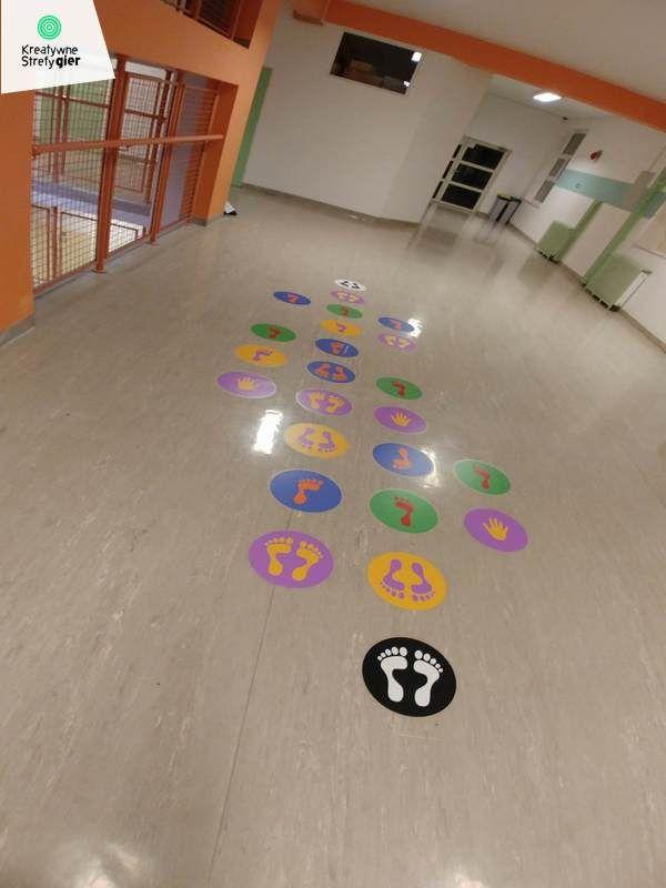grykorytarzowe.pl naklejki podłogowe, kreatywne strefy gier ceny, gra w klasy, kreatywne gry korytarzowe, gry na korytarz szkolny, gry podłogowe, szkolne gry korytarzowe, child, primary school, primary, teachers, playground games, kindergarden, hopscotch, corridors, gry i zabawy ruchowe, gry i zabawy ruchowe dla dzieci, gry na przerwie, gry po szkole, gry szkolne, malowanie gry, wyposażenie placu zabaw, zabawy ruchowe dla dzieci, znaki drogowe dla dzieci, zabawy grupowe dla dzieci,