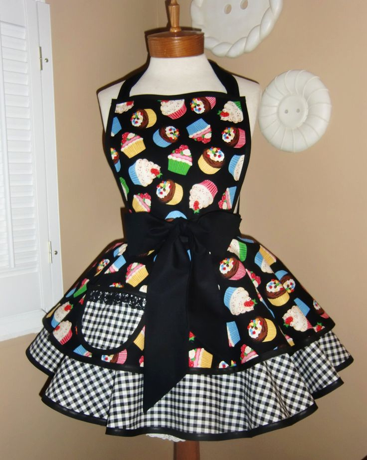 Cupcake Print Womans Retro Apron With Tiered Skirt, Bib and Lace Trimmed Pocket...$45.00, via Etsy.