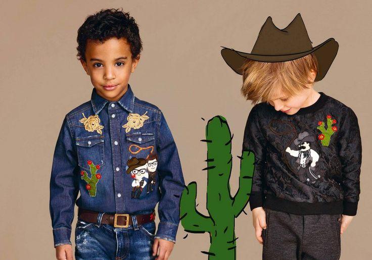 Мода для мальчиков 2016/17. Стиль casual. Детская мода в новом зимнем сезоне в который раз повторяет модели для взрослых, но при этом дополнены яркими детскими принтами. Так, если рассматривать стиль кэжуал, зимняя коллекция D & G пред…