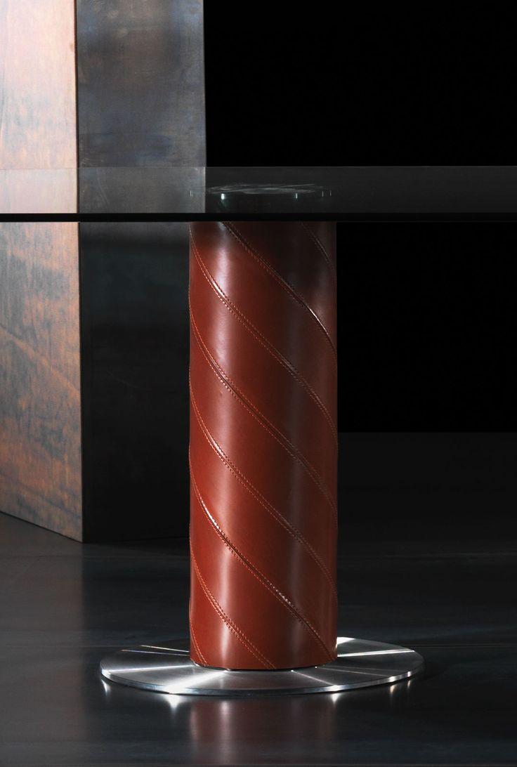 tavolo vetro temperato acciaio satinato trasparente prezzi cristallo pelle cuoio rivestito arredamento casa moderno di lusso loft negozi soggiorno yacht