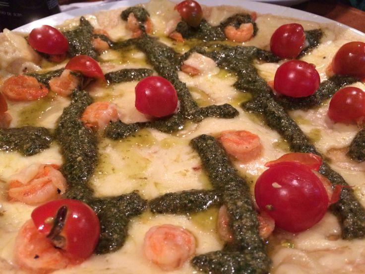 Crepe com tomate cereja, camarão grelhado e molho pesto.  Bahia - Brasil