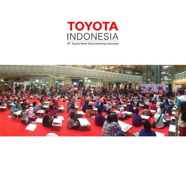 Tahukah teman TMMIN, beberapa waktu lalu Toyota Dream Car Art Contest (TDCAC), yang merupakan aktivitas global Toyota, mengundang anak-anak di seluruh dunia untuk berbagi ide mengenai mobilitas masa depan. Toyota berharap aktivitas ini dapat mendorong dan memelihara kreativitas anak-anak sebagai generasi penerus di masa depan #InfoTMMIN #TMMIN #ToyotaIndonesia