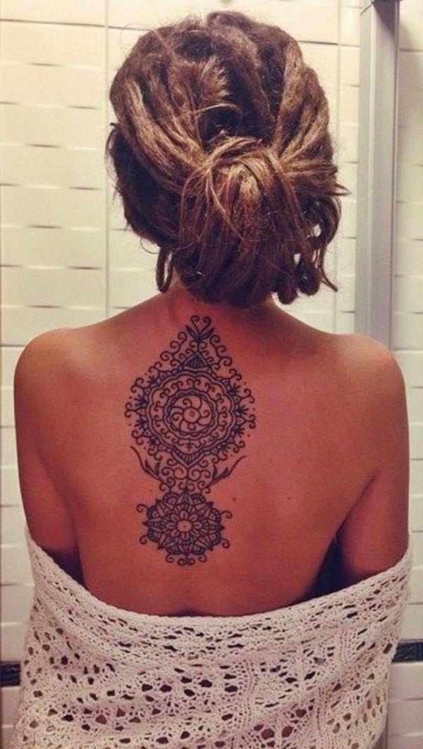 coloration henn tatouage henne cheveux femme dos - Coloration Henn Noir