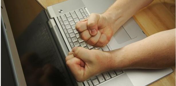 """Graças à internet, """"facilitamos muito para quem odeia"""", diz Leandro Karnal"""