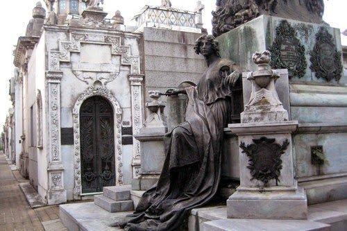 10 Cemitérios arrepiantes e diferentes | DidiNooz