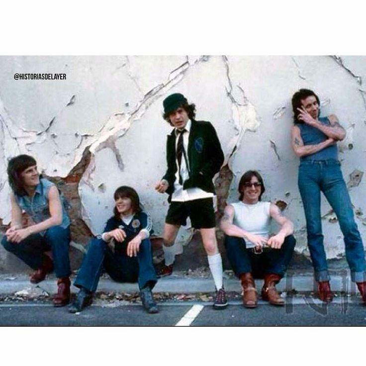 Mi primer disco de #Rock fue de ellos.  @Regrann from @historiasdelayer -  AC/DC 1978.  #historic #history #historiasdelayer #instagood #instapic #instalike #instaphoto #acdc #music #metal #rock #heavymetal #fan #stars #concert #70s #80s #90s - #regrann