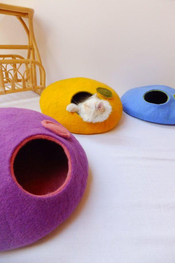 So cute! Cat cave/Cat bed/Cat house/Cat vessel Handmade by Grazim @ Etsy