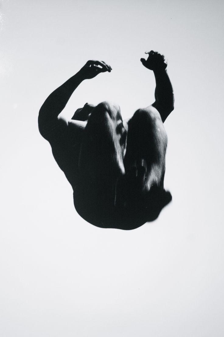 Aaron-Siskind-1965-Pleasures-Terrors-of-Levitation-32.jpg 2,336×3,504 pixels