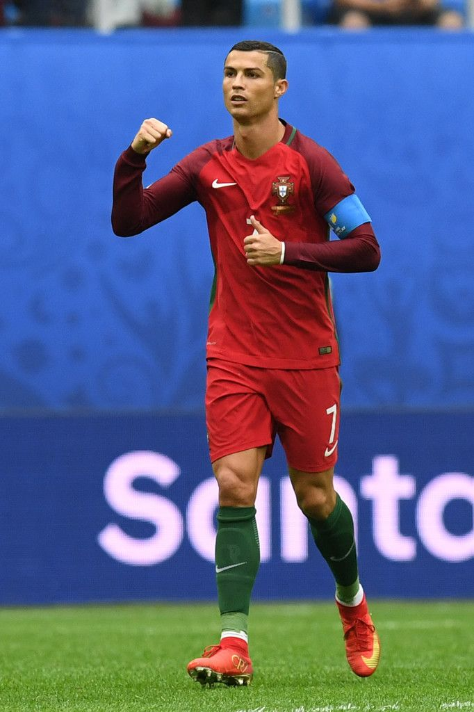 Portugal's forward Cristiano Ronaldo celebrates after scoring a penalty during the 2017 Confederations Cup group A football match between New Zealand and Portugal at the Saint Petersburg Stadium in Saint Petersburg on June 24, 2017. / AFP PHOTO / Kirill KUDRYAVTSEV