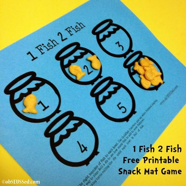 1 Fish 2 Fish Interactive Free Printable Placemat from @obSEUSSed