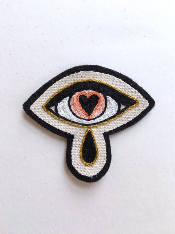 Parche ojo Heartsick había bordada a mano. Tela y por Eradura