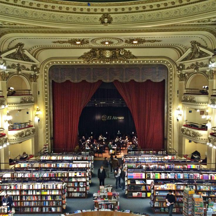 A livraria El Ateneo em Buenos Aires está classificada como uma das livrarias mais belas do mundo. Passeio perfeito para os amantes de livros e arquitetura