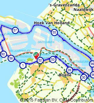 Op route.nl heb ik deze mooie fietsroute gezien voor een gezellig dagje uit: http://www.route.nl/fietsroute/282938/rond-de-maasvlakte