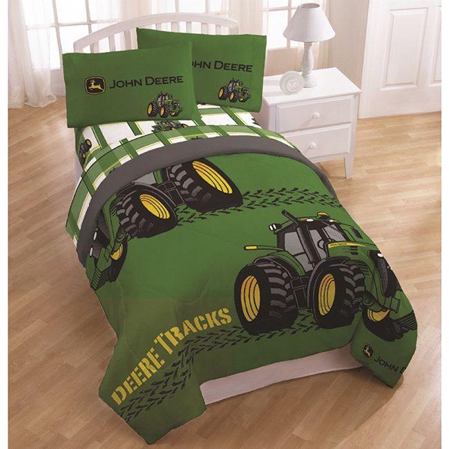 This John Deere Bedding Set Features A Comforter Flat Sheet Ed And Pillowcase