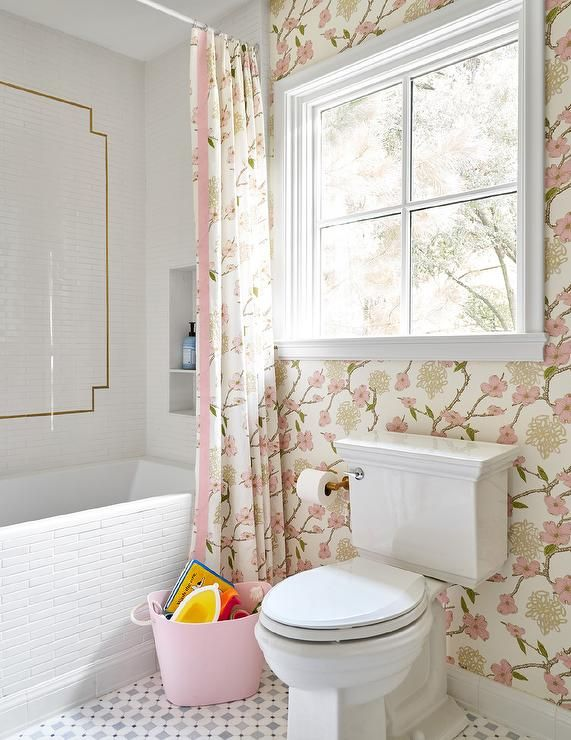 17 Refreshing Bathroom Makeover Ideas In 2021 Floral Bathroom Wallpaper Floral Bathroom Bathroom Wallpaper