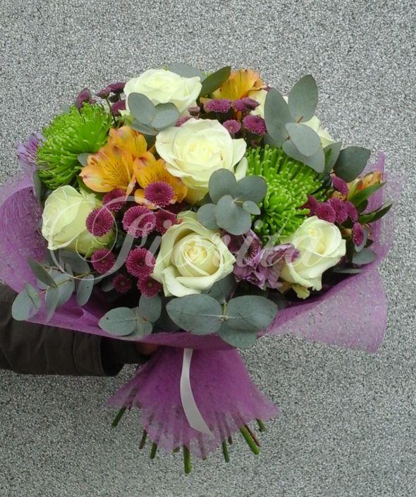Reprezentační kytice z růží, alstroemérií a chryzantém