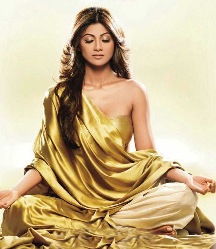 Shilpa Shetty is a known yoga enthusiast.. She gained back her enviable slender shape within 10 months of giving birth to her son. She suggested that new moms should exercise atleast an hour for 4 to 5 days in a week and eat right to get back in shape. Besides yoga, she devotes some time to strength training and cardio for a day or two in a week. She also likes to meditate for 10 minutes every day to calm her body.#rushfitness #rushfitnessindia #fitness #workout  #fitnessgoals #motivation