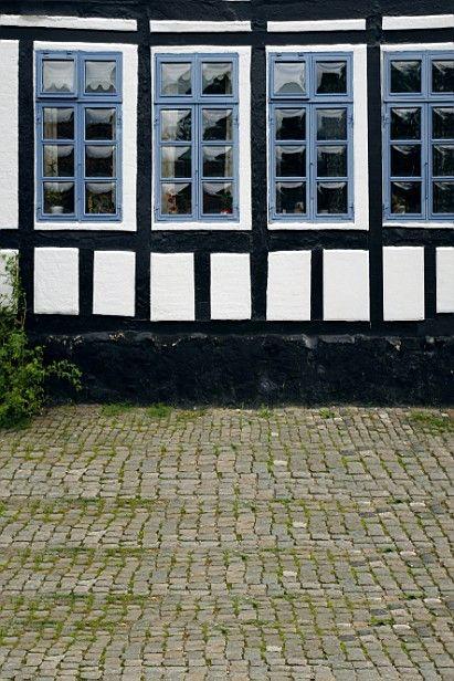 $27.70 (Buy here: https://alitems.com/g/1e8d114494ebda23ff8b16525dc3e8/?i=5&ulp=https%3A%2F%2Fwww.aliexpress.com%2Fitem%2F300CM-200CM-about-10ft-6-5ft-fundo-House-glass-windows3D-baby-photography-backdrop-background-LK-1807%2F1680476994.html ) 300CM*200CM(about 10ft*6.5ft) fundo House glass windows3D baby photography backdrop background LK 1807 for just $27.70