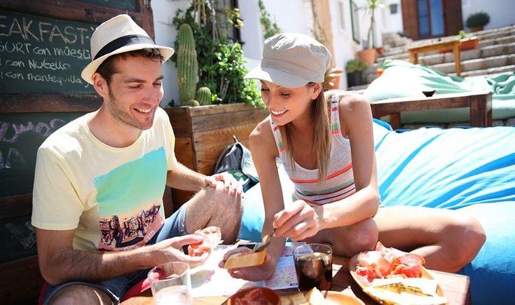 Ανακαλύψτε 4 λιγότερο γνωστούς προορισμούς στην Ευρώπη που ξεχωρίζουν για το γαστρονομικό χαρακτήρα τους. Οι λάτρεις του καλού φαγητού, αυτοί που αγαπάτε να δοκιμάζετε νέες γεύσεις στα ταξίδια σας, σημειώστε τις παρακάτω πόλεις και διευθύνσεις.