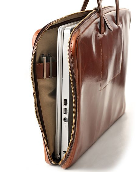 Sleek leather briefacase by La Portegna | Hand Made in Spain