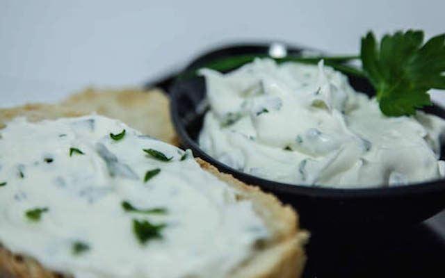 formaggio-spalmabile di kefir -fatto-in-casa