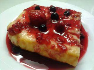 Retete culinare: Prajitura cu iaurt si sirop de fructe de padure
