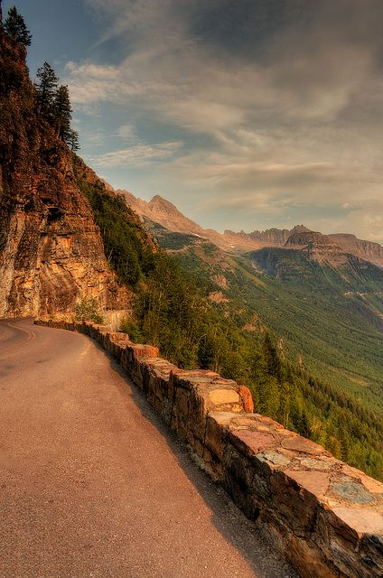 Going to the Sun Road in Glacier National Park, Montana