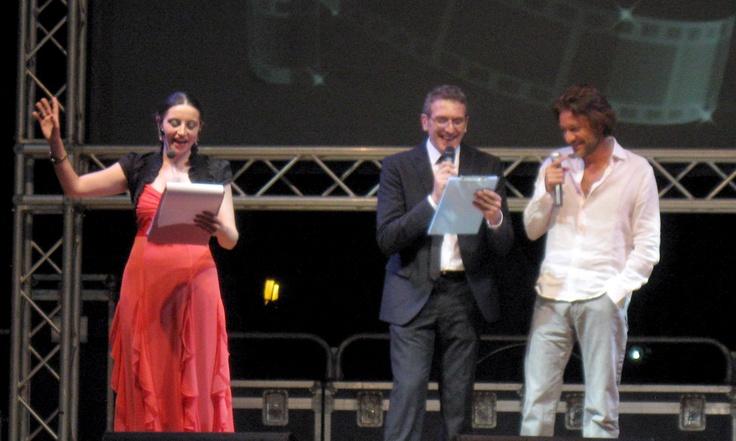 presentando Sergio Assisi