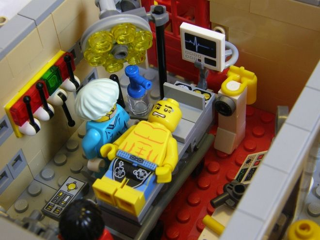 Lego ideas making a hospital 2 patient s bed - 722 Best Lego Interiors Images On Pinterest Lego