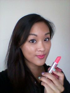 Review of Maybelline Bold Matte in MAT1. Verdict: a beautiful neon pink colour, but not opaque enough when applied on the lips.
