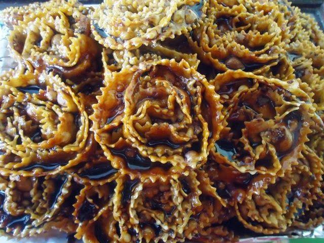 Arte e cucina...le ricette di Marisa e Simona: Cartellate pugliesi al vincotto