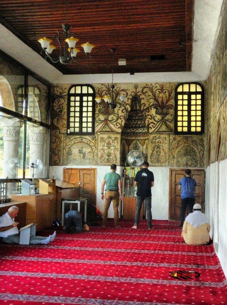 Xhamia e Et'hem Beut Moschee-Leseraum,Tirana,Albania, Nikon Coolpix L310, 10.2mm, 1/320s, ISO400, f/3.8,-1.3ev, HDR photography, 201607061410