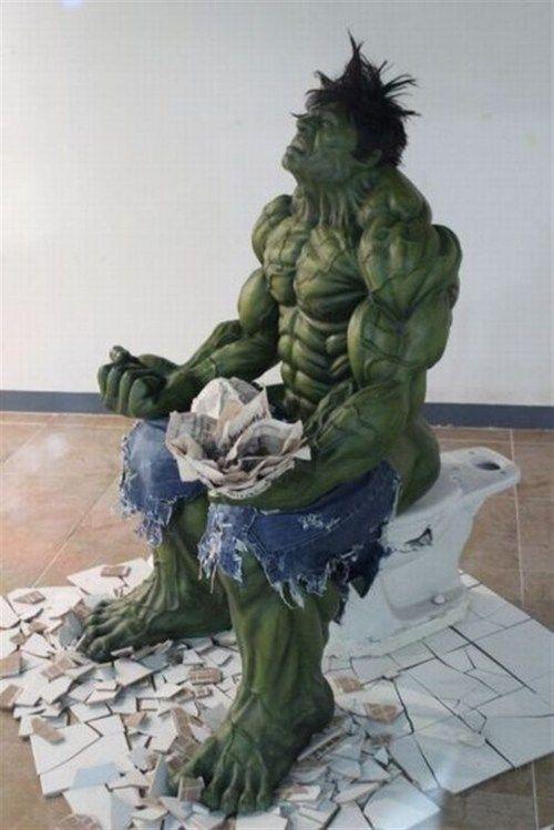 超人ハルクが踏ん張りすぎてトイレ破壊 | A!@attrip