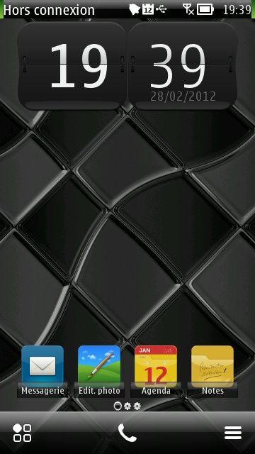 Free Black Squares theme by sevimlibrad on Tehkseven