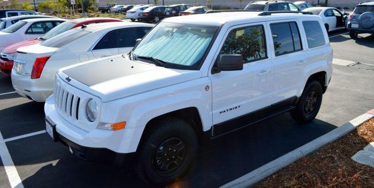 Jeep Wrangler White Paint Pinstripes
