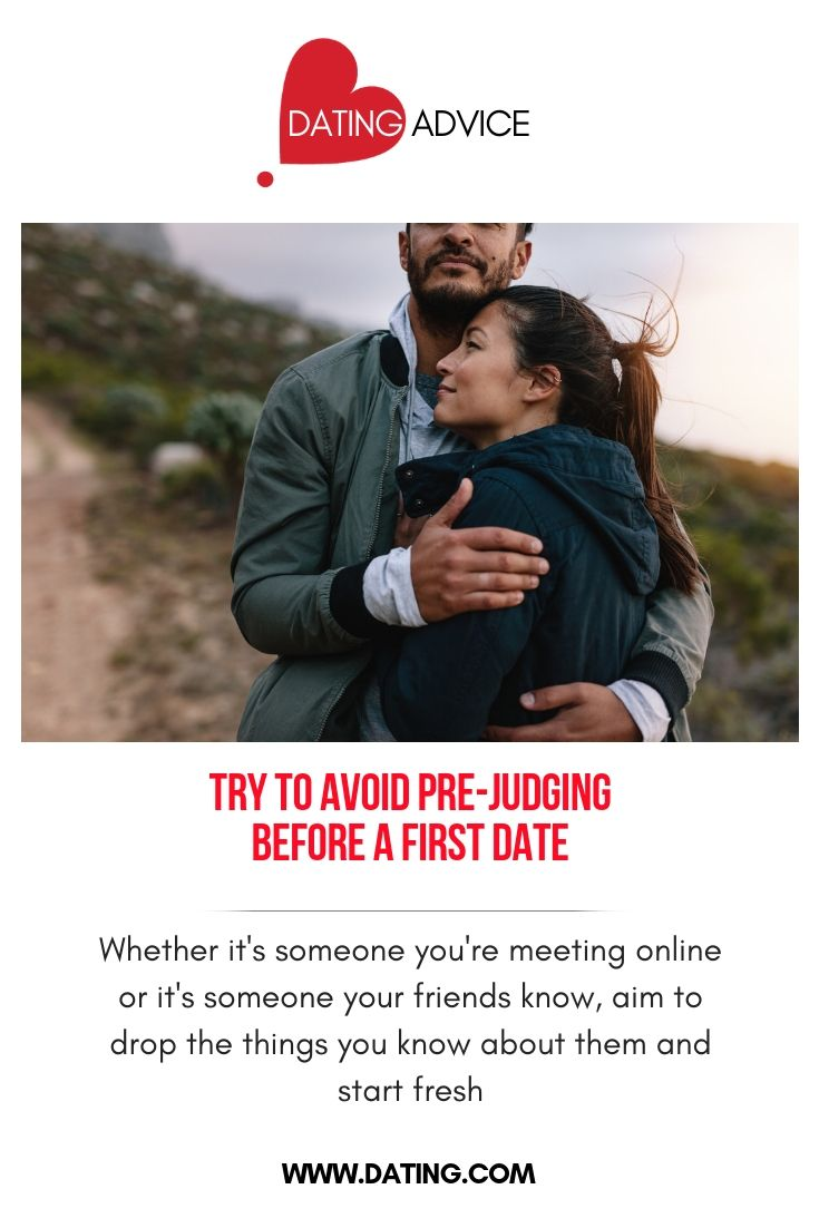 online dating first date hug
