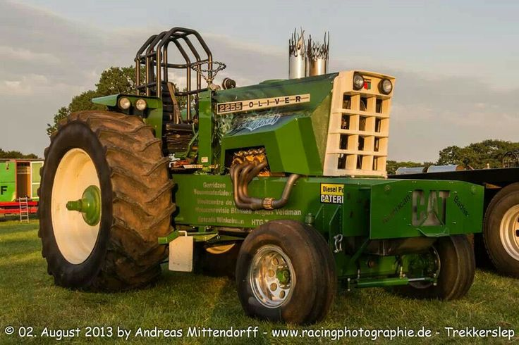 Oliver 2255 Pulling Tractor