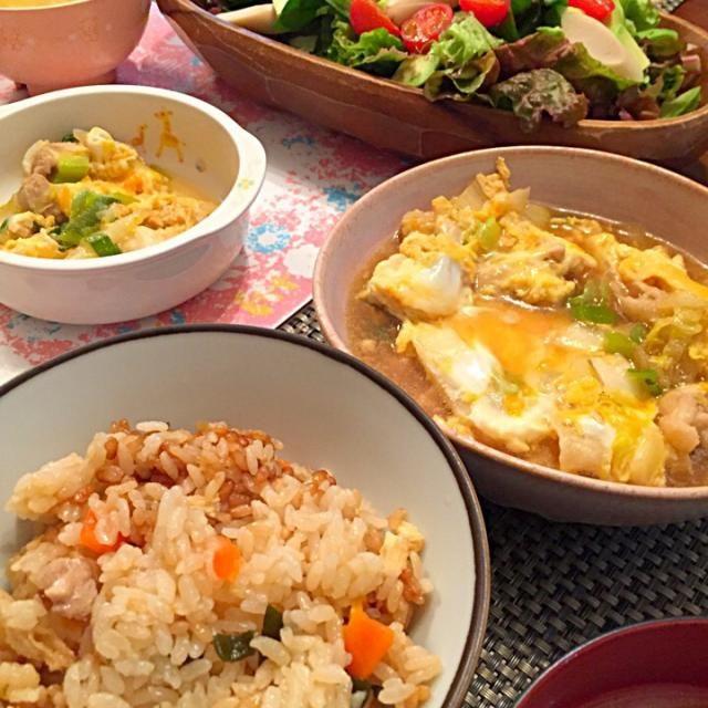 冷蔵庫の残り物で… - 18件のもぐもぐ - 炊き込みご飯 鶏肉と白菜と葱の卵とじ サラダ by negisnap