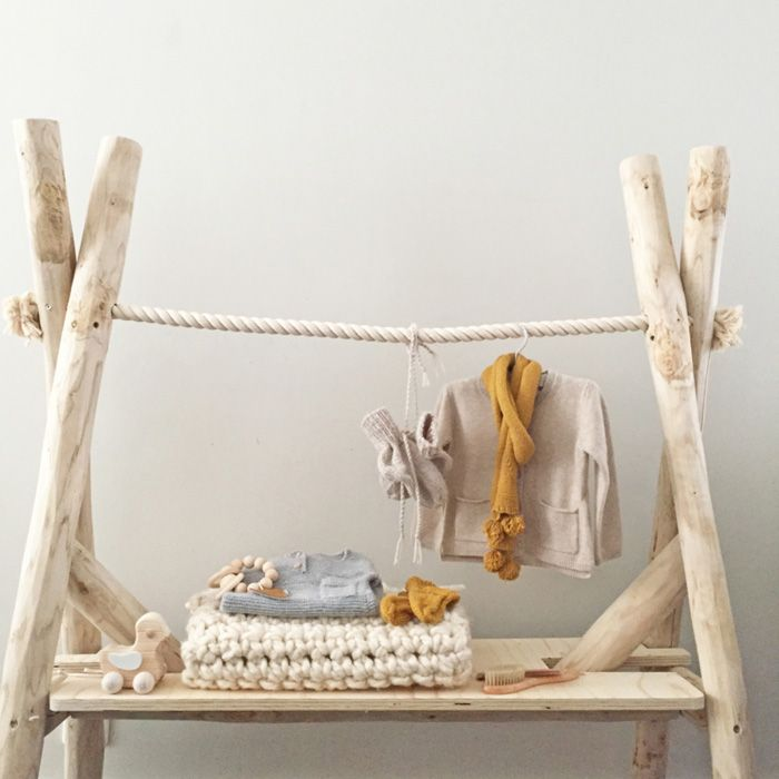Clothes rack for children's rooms