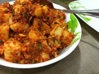 he Mak-Fly Lontong Goreng (Fried Rice-Cake)