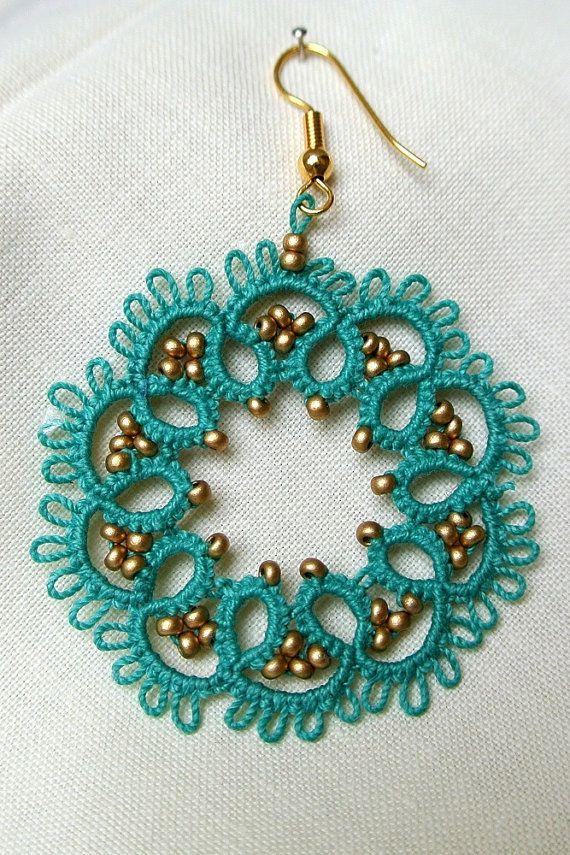 Aquamarine tatted lace earrings beaded lace by Ilfilochiaro