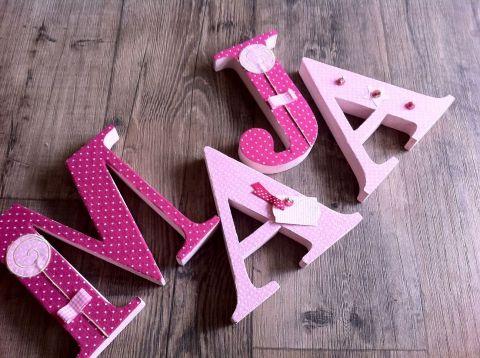 MAYA  egyedileg díszített polisztirol habbetűk igény szerinti színvilággal és egyéni/egyedi stílusban rendelhetők.  A betűk 19cm magasak és a 3cm szélesek. #### name, letters handmade, baby, gift ,név, betűk, kézzel készült, bébi, ajándék...