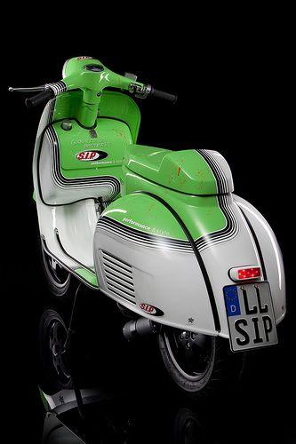 SIP Glorious Basterd Custom Vespa - Que belleza, esto no es una moto, es una obra de arte