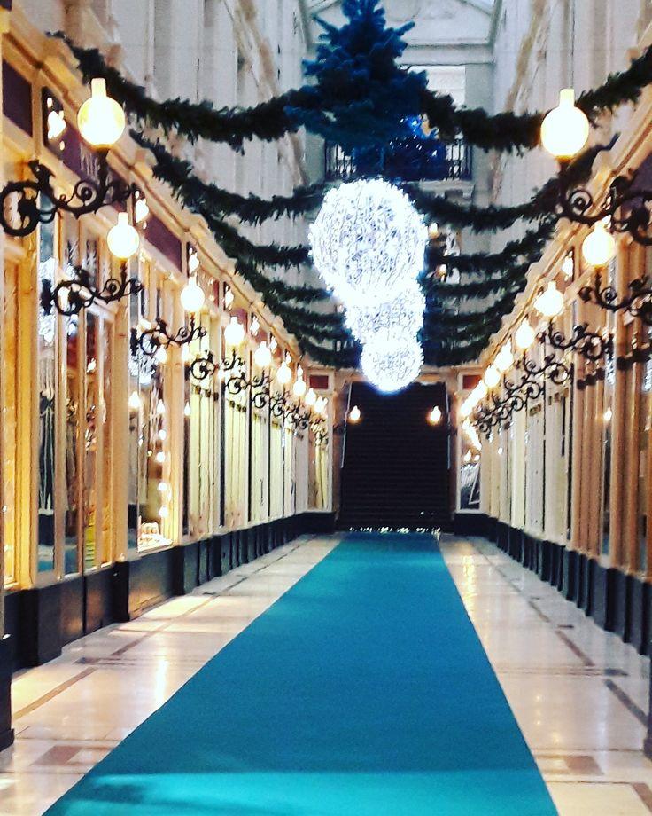Avant première de la décoration du passage #Pommeraye pour #Noël 2016 à #Nantes.