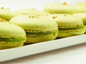 Pistachio Macarons_Bake French Macarons to be like in Paris - My ...