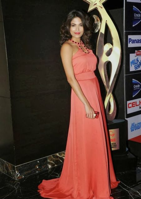 South Indian Actress Parvathy Omanakuttan http://knowrare.blogspot.com/2013/09/south-indian-actress-parvathy.html